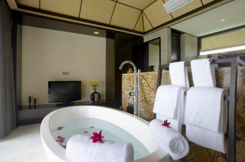 Idėjos voniai: kaip laikyti rankšluosčius