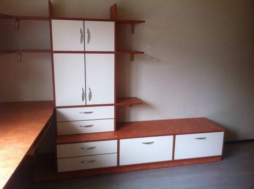 Parduodami geros būklės vaikų kambario baldai.