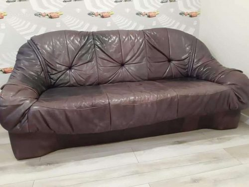 Dvi odinės sofos 3 2