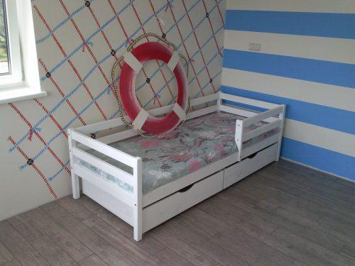 Vaikiškų lovyčių gamyba.